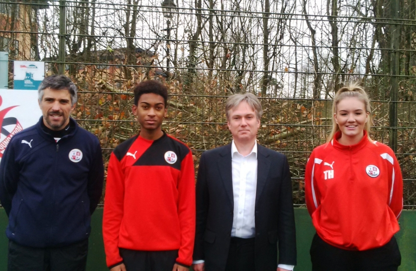 Henry Smith MP kicks off Community Ball Court launch