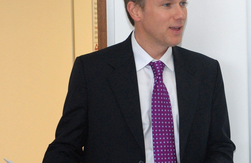 Henry Smith MP welcomes further fall in Crawley youth unemployment